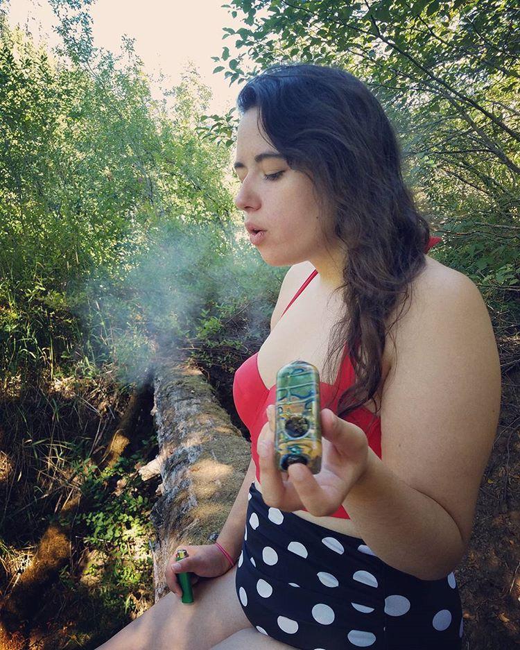 stoner, stoner girls, stoner chick, stoner chicks, ganja, ganja girl, ganja girls ,marijuana models, dank divas, cannabis cuties, pretty potheads, pretty pothead, mary j maidens, bong beauties, bong rips, tattooed women, tattooed girl, weed porn, marijuana babes, girls who smoke