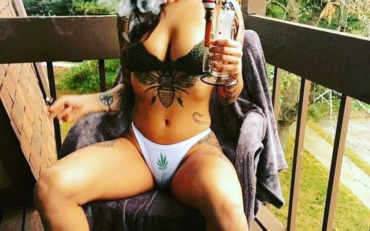 I'd put my lips on that weed plant down low #weedhitit My Saturday so…