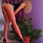 Look at those long stems, hold that position #weedhitit Taking care very, very well.…